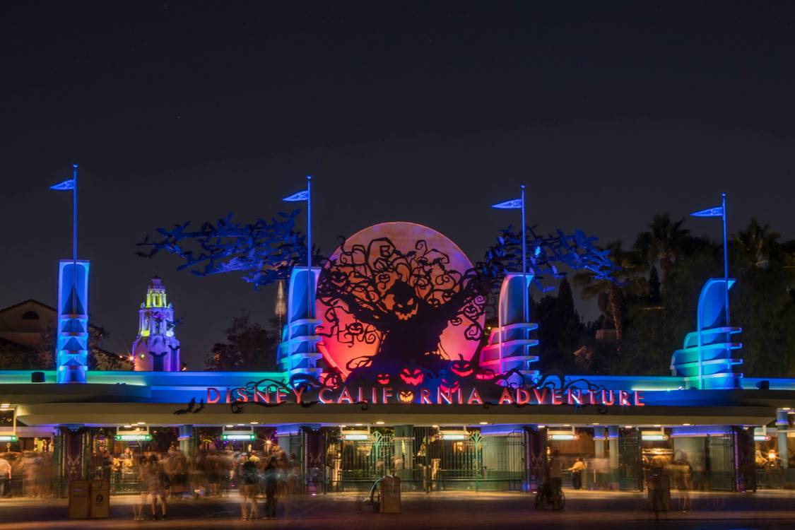 Agatha Harkness, Cruella e Sid são confirmadas no Halloween do Disneyland Resort