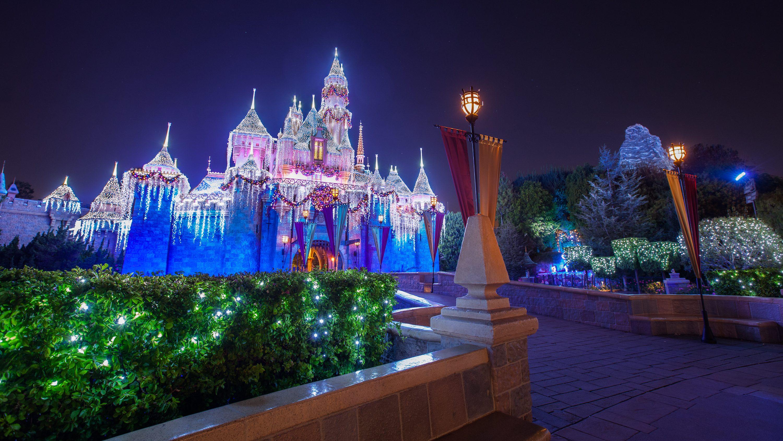 Como os parques Disney se comparam aos concorrentes?